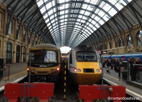 Estação de trem de St Pancras, em Londres também tem um Left Luggage